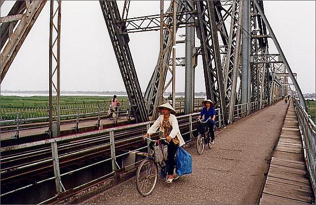 Long Bien Bridge, Hanoi.
