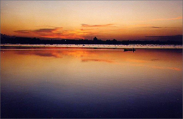 Solnedgång, Boeng Kak Lake, Phnom Penh, Cambodia. Sunset.
