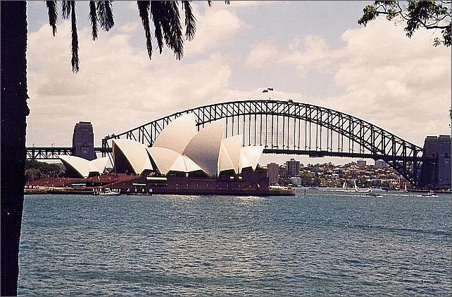 Sydney Opera House, Sydney Harbour Bridge.