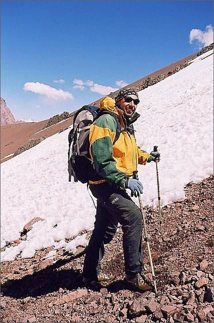 Guiden Pablo på väg mot toppen Bonete.