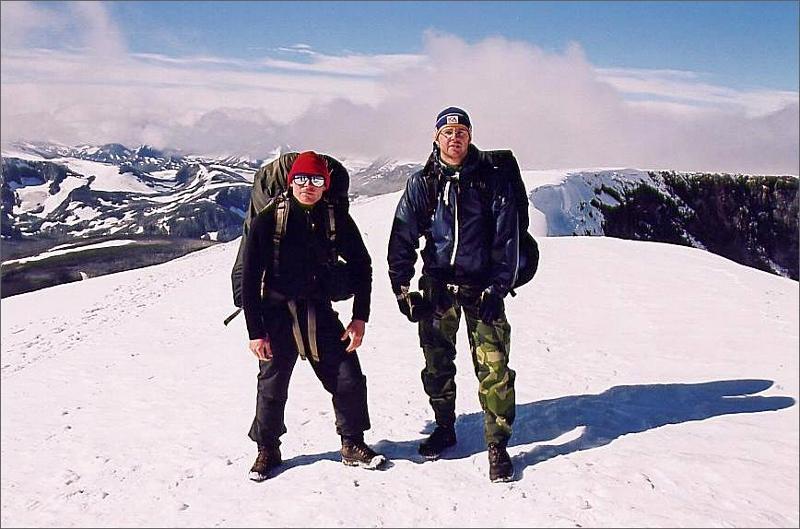 10. Jag och Magnus på toppen av Glittertind 2465 meter, Norges näst högsta berg.
