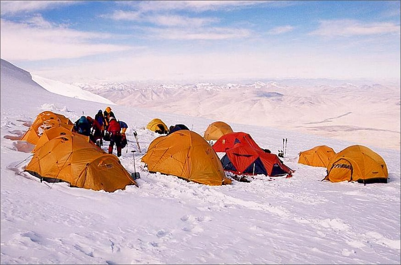 15. Camp 2, 6200 meter.