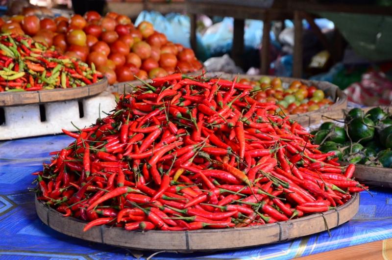 Chilipeppar på Vang Vieng Market.