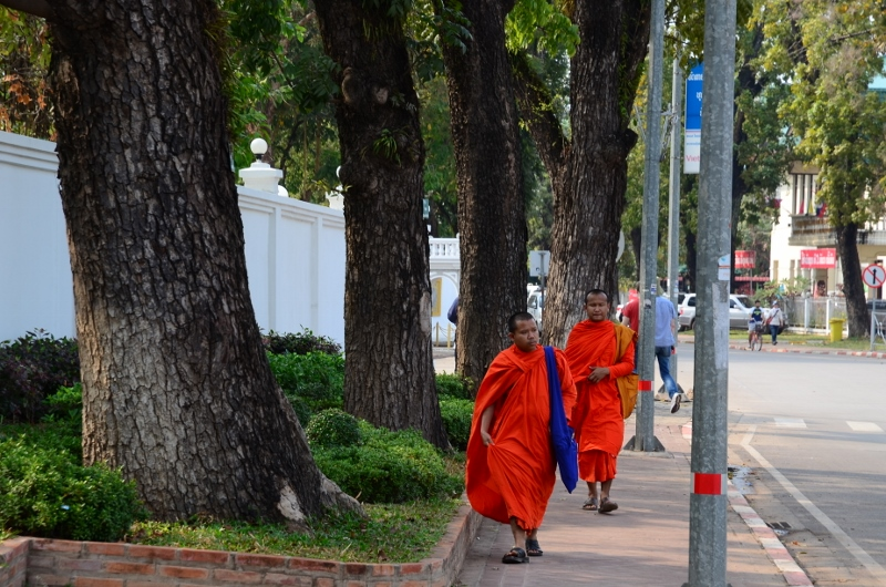 Munkar i Vientiane.