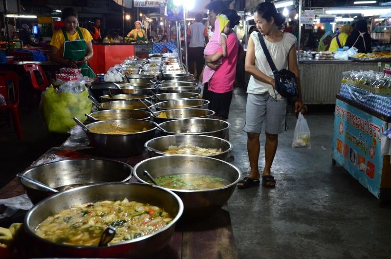 Petchaburi Night Market.