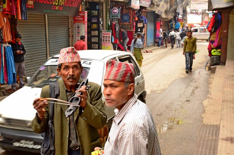 Violinförsäljare, Kathmandu, Nepal.
