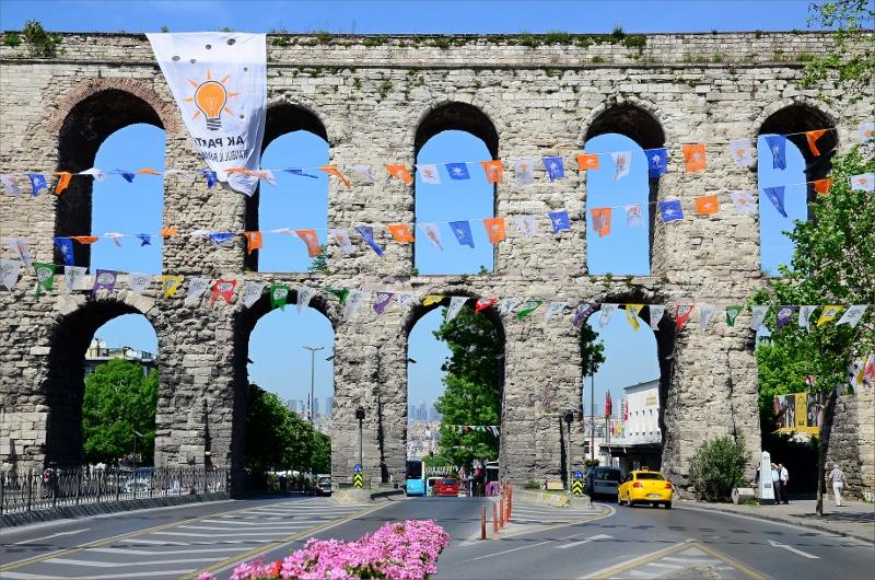 Valens akvedukt byggdes på 300-talet och är 29 meter hög. Det var Konstantinopels viktigaste vattenkanal.