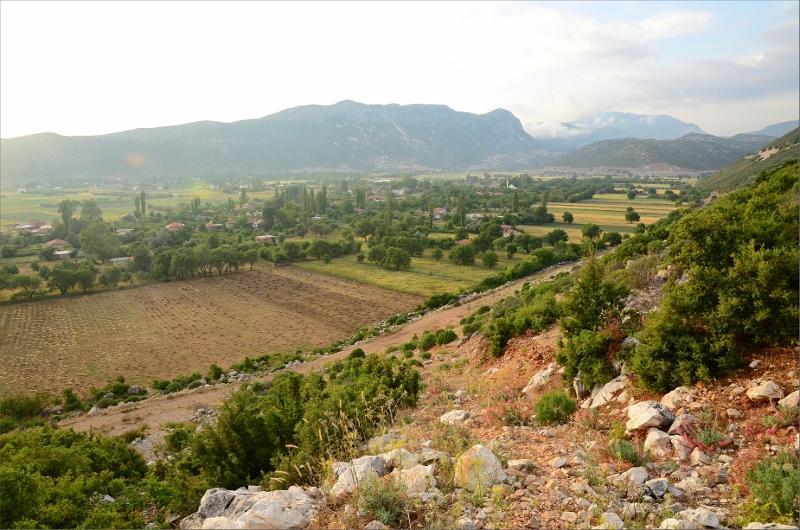 Vy bakåt över Bezirgan och dalen jag just korsat.
