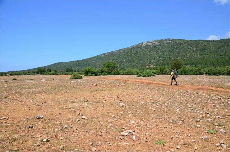 Korsar dalen som Cukurbag ligger i.