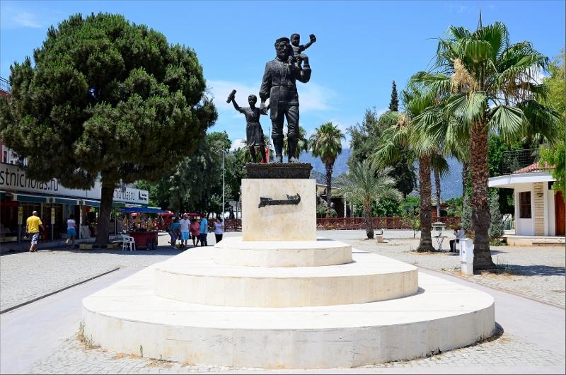 Staty i Demre.