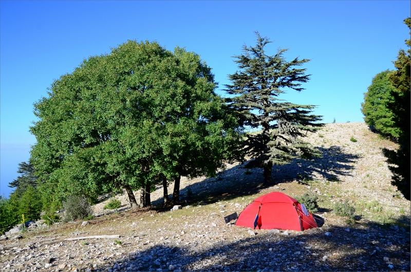 Camping nästan mitt på leden strax ovanför Yatikardic Yayla.