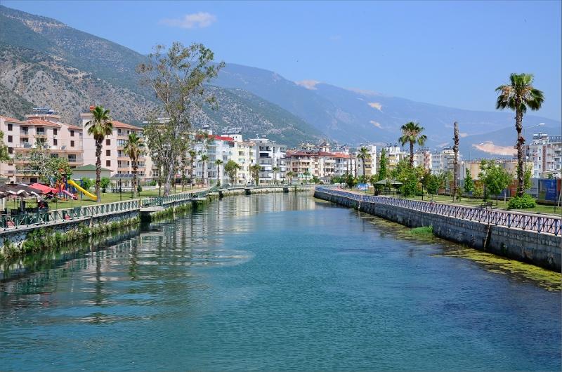 Akcay River, Fenike.