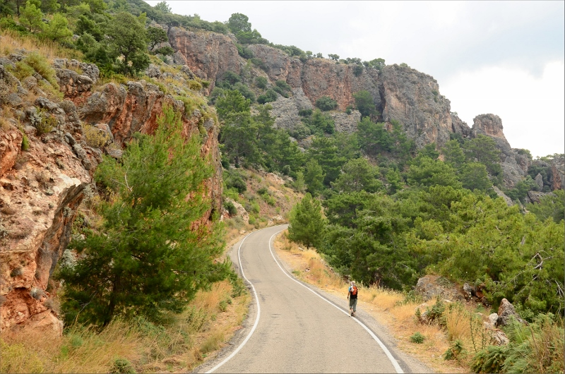 Asfaltsväg mellan Mavikent och Karaöz.