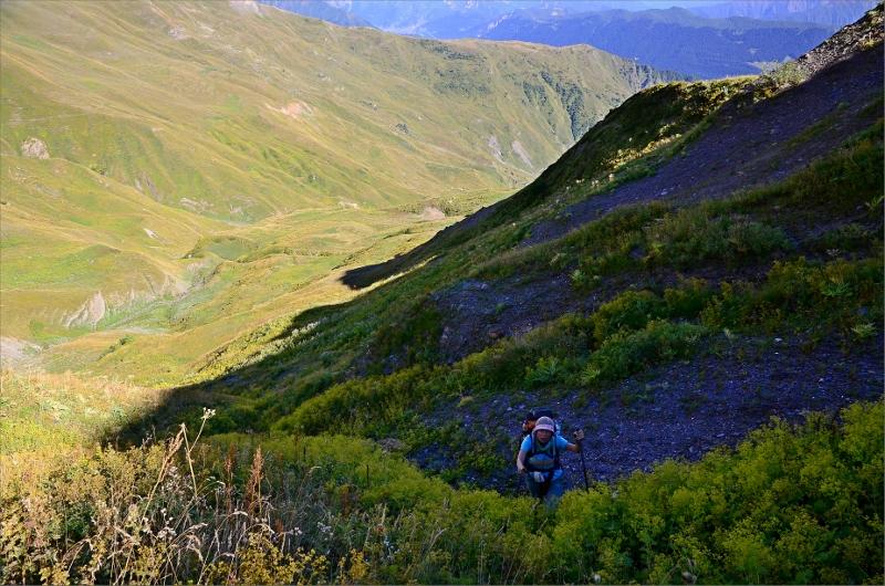 Vi tappade leden flera gånger nedanför Guli Pass och försökte ta oss upp off road men det gick inte.