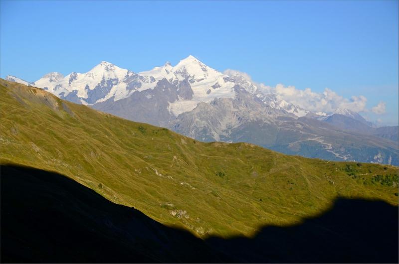 Vy över Tetnuldi från vår tältplats nedanför Guli Pass.