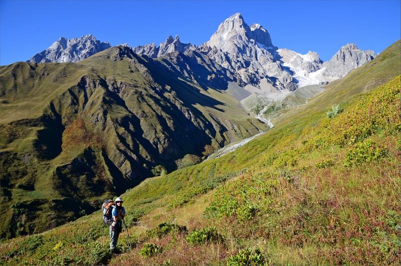 Olya och Mt Ushba 4710 meter.