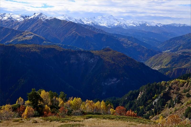 Höstskrud och Svanetian Range.