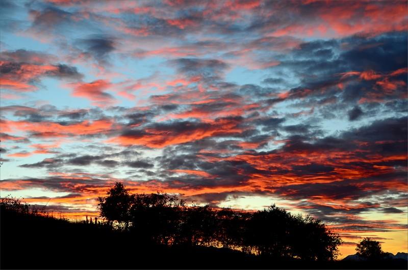 Solnedgång sett från tältet strax före Adishi.