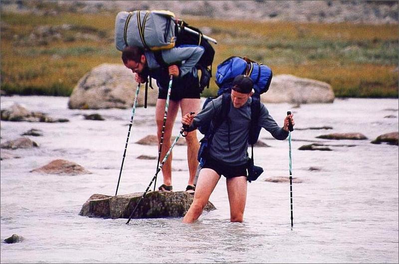10. Långt vad i svinkallt vatten. Fick pausa på stenarna tills smärtan i fötterna släppte.