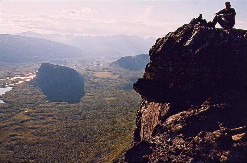 31. Rapadalen, Nammasj och Per på toppen av Skierffe 1179 meter.