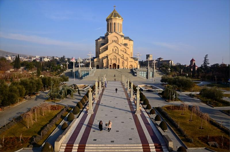 4. Tsminda Sameba Cathedral, Tbilisi (byggd 1995-2004).