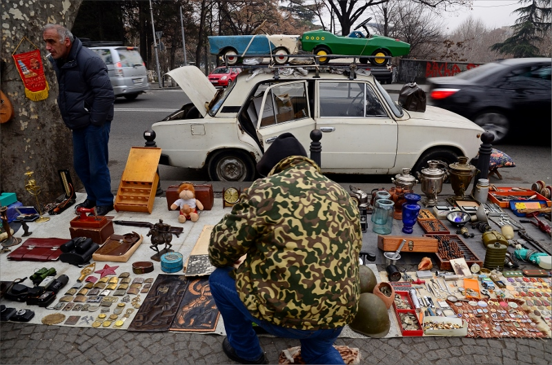 13. Dry Bridge Flea Market, Tbilisi.